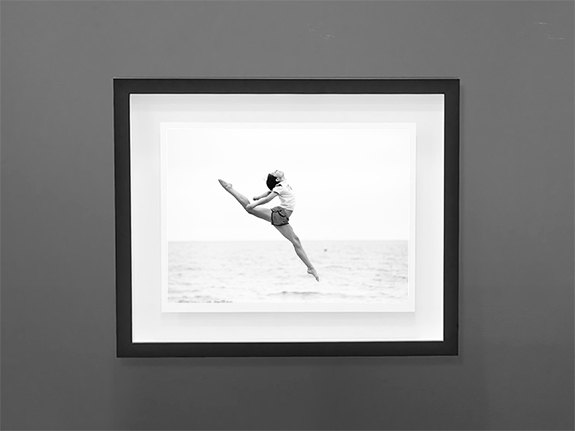 Floating-Picture-Frames-3