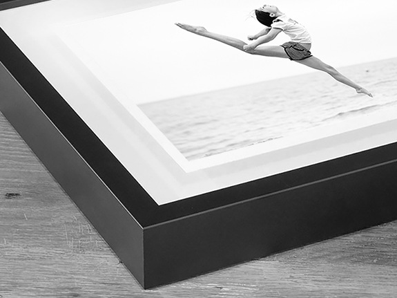 Floating-Picture-Frames-4